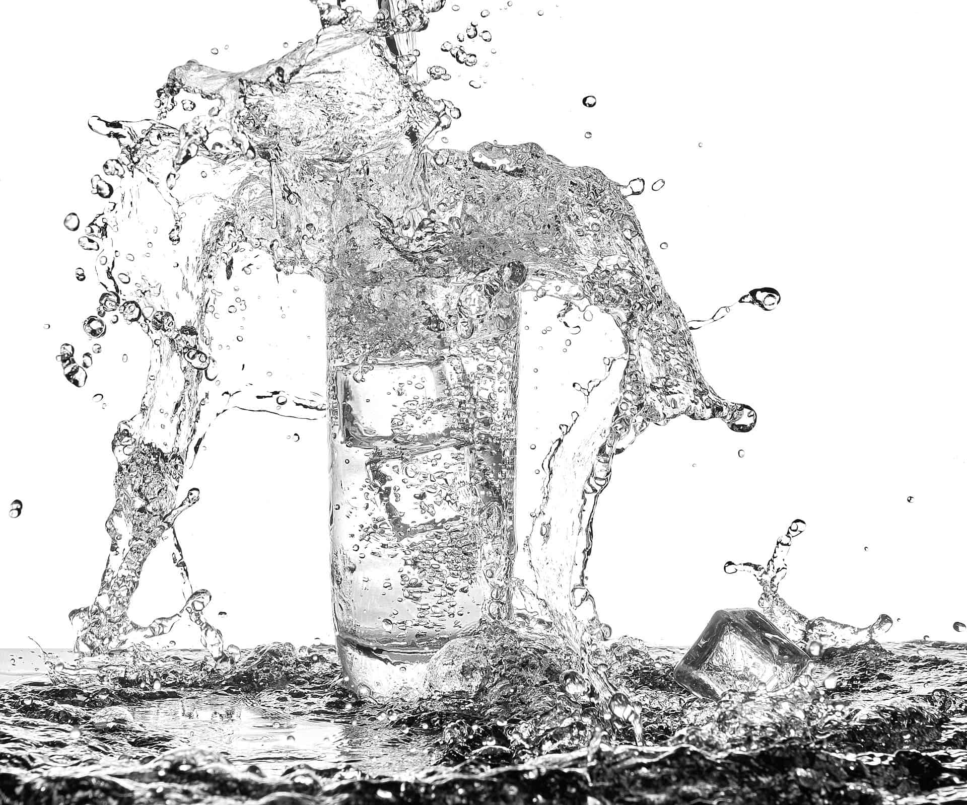 Water splash with droplets